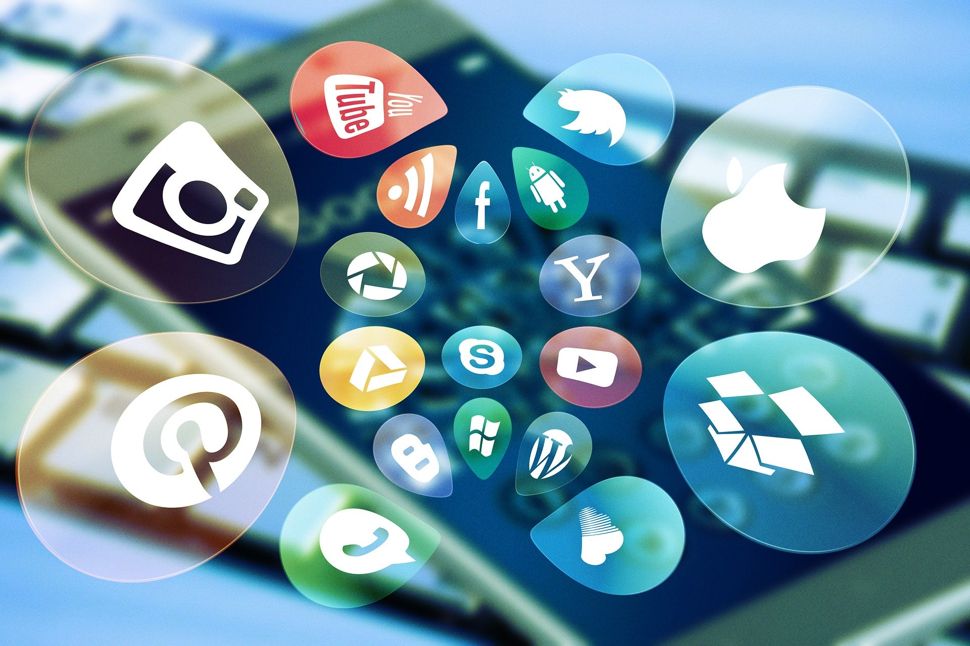 INTELLECTUAL PROPERTY & MOBILE APPLICATIONS